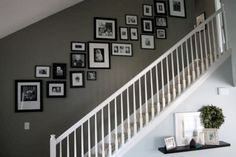 Pictures on Stairs - Photowall Ideas Pictures On Stairs, Stairway Photos, Hang Pictures, Stairway Paint Ideas, Stairway Gallery Wall, Display Pictures, Style At Home, Photo Wall Design, Stair Walls