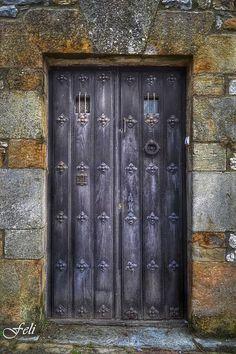 Front door. Santillana del Mar (foto: Feli Gil Davila)