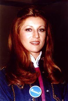Annie Chancel, Annie Cordy, Enrico Macias, Eddy Mitchell, Dalida, Version Francaise, Showgirls