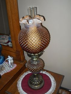 VINTAGE FENTON HOBNAIL GONE WITH THE WIND LAMP