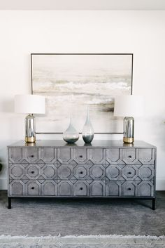Gorgeous credenza for an entryway, dining room or even a bar in your living room. Sideboard Dekor, Credenza Decor, Sideboard Ideas, Home Decor Bedroom, Room Decor, Bedroom Art, Art Decor, Flur Design, Dining Room Buffet