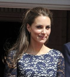 Kate Middletons half up, half down hairstyle