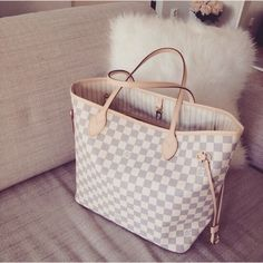 Buy Louis Louis Vuitton Handbags #Louis #Vuitton #Handbags at Online Outlet…
