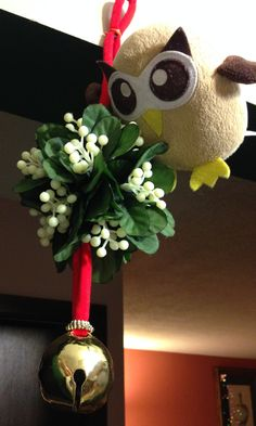 Owly is thinking about his mistletoe strategy. Day 329 of #yearofowly #lifeofowly