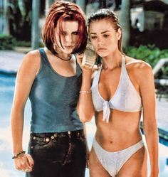 Celebs Discover Denise Richards y Neve Campbell en & Salvajes& (Wild Things) 1998 Denise Richards Bikini Denise Richards Young Denis Richards Image Film Actrices Hollywood Bond Girls Hot Actresses Beautiful Celebrities Aquarius Denise Richards Young, Denise Richards Bikini, Denise Richards James Bond, Denice Richards, Taurus, Aquarius, Bond Girls, Actrices Hollywood, Cultura Pop