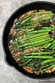 Grilled Asparagus in Brown Butter and Shallots. Asparagus grilled to perfection, then smothered in shallots caramelized in brown butter. All done on the grill. Side Dish Recipes, Vegetable Recipes, Best Asparagus Recipe, Grilled Asparagus Recipes, Summer Side Dishes, Cooking Recipes, Healthy Recipes, Vegetable Side Dishes, Good Food