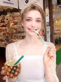 Meet Chloe, The Gorgeous German Model That Looks Like An Elf Beautiful Girl Image, Beautiful Asian Girls, Beautiful Eyes, Mode Ulzzang, Ulzzang Girl, Girl Face, Woman Face, Girls Image, Aesthetic Girl