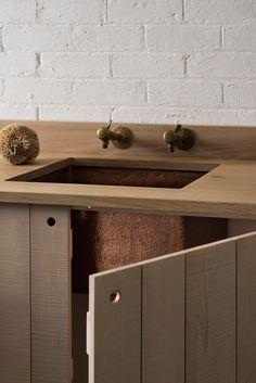 Simple kitchen cupboards, wooden worktop with underslung sink - - - Copper sink - modern rustic kitchen by Sebastian Cox for deVOL Rustic Kitchen Design, Interior Design Kitchen, Rustic Design, Urban Rustic, Modern Rustic, Rustic Style, New Kitchen, Kitchen Decor, Kitchen Sinks