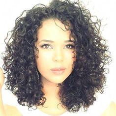 If I cut my hair, it'll look like this. If I cut my hair, it'll look like this. Curly Hair Tips, Long Curly Hair, Curly Hair Styles, Natural Hair Styles, Medium Length Curly Hairstyles, Crazy Curly Hair, Curly Wigs, Hair Wigs, Medium Hair Cuts