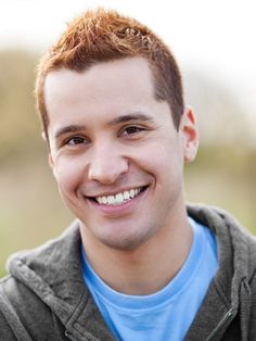 Here are 21 of our favorite redhead men's hairstyles. You're looking for your next ginger hairstyle, look no further. Short Faux Hawk, Red Hair Men, Redhead Men, Ginger Men, Auburn Hair, Redheads, Eyes, Men's Hairstyles, Red Heads