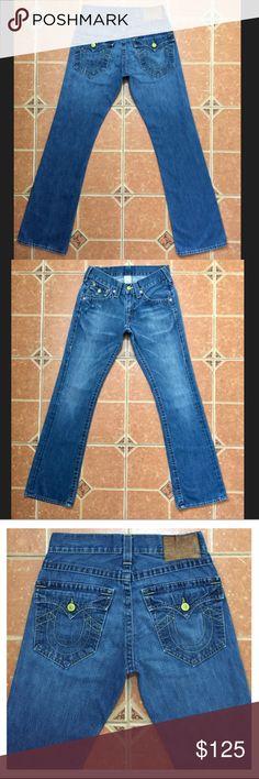 "True Religion Straight Leg Jeans in Medium Wash True Religion Straight Leg Flap Pocket Jeans in Medium Blue Wash. Style# W042003E4  MEASUREMENTS: ACROSS WAIST: 15.5"" RISE: 9"" INSEAM: 34"" ACROSS LEG OPENING: 9"" True Religion Jeans Straight"