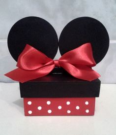 centro de mesa minnie vermelha mdf - Pesquisa Google Minie Mouse Party, Fiesta Mickey Mouse, Mickey Mouse Baby Shower, Mickey Mouse Parties, Baby Mouse, Mickey Minnie Mouse, Mickey Birthday, Jar Crafts, Party Bags