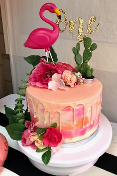 harpers first birthday Flamingo Party, Flamingo Cake, Flamingo Birthday, Hawaiian Birthday, Luau Birthday, Birthday Brunch, Birthday Parties, Aloha Party, Luau Party