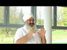 "▶ Gurucharan Singh Khalsa on the Mantra ""Humee Hum Brahm Hum"" - YouTube"