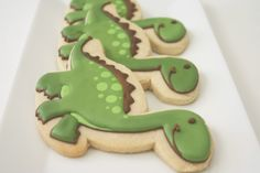 How cute are these!!! I must try this sugar cookie recipe!!