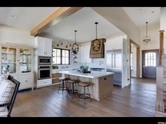 Simons Design Studio is a residential design firm based in the Salt Lake City Area. We're highlighting Simons Design Studio's modern farmhouse parade of home. Farmhouse Style Kitchen, Modern Farmhouse Kitchens, Modern Farmhouse Style, Home Decor Kitchen, Rustic Farmhouse, Kitchen Ideas, Kitchen Small, Small Kitchens, Small Bathrooms