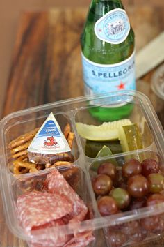 New Year Tips for Packing a Full Week of Healthy Lunches + Snacks — Miss Molly Vintage