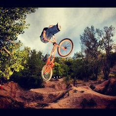 Wow... Steve Mccann is doing it alright but I can't imagine how this tricks will end for me... And you, will you attempt this?  #bmx #bmxracing #bmxdirt #dirtbike #dirtbmx #stevemccaan #mongoose #tricks #extremespots #extreme      Photo by +Mongoose Bicycles