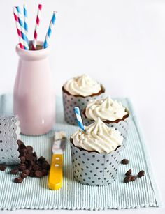 Banana 'Smoothie' Cupcakes
