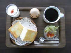 モーニングセットコーヒー&ワインの喫茶店 カフェ ヴィオロン 京都 Egg Toast, Kyoto, Food Menu, Japanese Food, Coffee, Brunch, Pancakes, Sandwiches, Kaffee