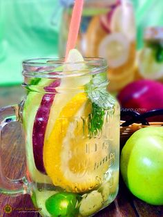 Fruit and Herb Infused Water Healthy Food, Healthy Recipes, Infused Water, Pinoy, Moscow Mule Mugs, Philippines, Mason Jars, Herbs, Seasons