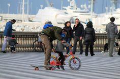 Tra skateboard e bicicletta