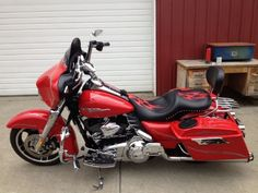 2010 Harley-Davidson FLHX STREET GLIDE Touring , Scarlet Red, 47,000 miles for sale in Roseburg, OR