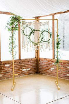 Romantic Violet + Gold Wedding Ideas with Boho + Geode Touches Copper Wedding, Gold Wedding, Industrial Wedding, Gold Backdrop, Backdrop Ideas, Boho Chic, Trendy Wedding, Wedding Ideas, Wedding Blog