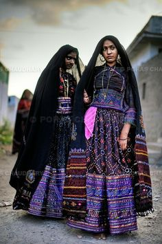 Aren't they just so beautiful?  Gujurat, #India.  Indian pattern, Indian color  - Yes!