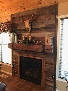 40 Stunning Rustic Fireplace Design Ideas Match With Farmhouse Style twohomedecors.inf The post 40 Stunning Rustic Fireplace Design Ideas Match With Farmhouse Style twohomedec appeared first on Decoration. Pallet Fireplace, Wood Fireplace Surrounds, Rustic Fireplace Mantels, Country Fireplace, Cabin Fireplace, Faux Fireplace, Fireplace Remodel, Fireplace Design, Reclaimed Wood Fireplace