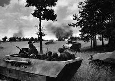 27-th Volunteer Grenadiers Grenadier Division SS Langemarck (Flemish Nr. 1) (27.SS-Freiwilligen-Grenadier-Division Langemarck, Flämische Nr. 1) are moved to the combat carriers SD. Kfz. 251/1 Ausf. (D).
