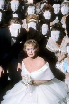"Bette Davis, promotional still of ""Hush,hush, sweet Charlotte"", Vintage Hollywood, Classic Hollywood, Vintage Vogue, Hush Hush Sweet Charlotte, Bette Davis Eyes, Betty Davis, Star Wars, Cinema, Joan Crawford"