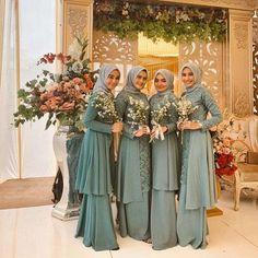Hijab Gown, Kebaya Hijab, Hijab Dress Party, Muslim Wedding Dresses, Turban Hijab, Muslim Brides, Kebaya Wedding, Wedding Hijab, Kebaya Modern Dress