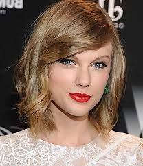 taylor swift hair - Google Search Bobbed Hairstyles With Fringe, Face Shape Hairstyles, Short Hairstyles For Women, Medium Hairstyles, Curly Hairstyles, Taylor Swift Short Hair, Taylor Swift Haircut, Blonde Pony, Blonde Pixie