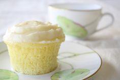 Cloud-like Lemon Cupcakes | Let's Live La Vida