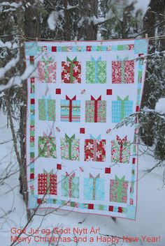 Quilting: Flurry by Kate Spain from Moda; Inspiration for a birthday or Christmas quilt Christmas Quilting Projects, Christmas Quilt Patterns, Christmas Sewing, Christmas Crafts, Christmas Ideas, Christmas Blocks, Nordic Christmas, Holiday Ideas, Merry Christmas