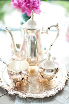 Vancouver High Tea Bridal Shower from Vasia Photography - Coffee Set - Ideas of Coffee Set - Exactly what I think of when dreaming about my silver tea set Argent Antique, Antique Silver, Vintage Silver, Vintage Pink, Vintage Tee, Silver Tea Set, Bridal Shower Tea, Baby Shower, Tea Service
