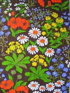 Scandinavian retro floral fabric by Patternlike on Etsy, kr25.00