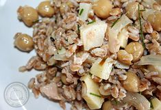 farro salad with tuna and chickpea >> insalata di farro con tonno e ceci Farro Salad, Pasta Salad, Tuna, Potato Salad, Potatoes, Food Blogs, Ethnic Recipes, Crab Pasta Salad, Potato