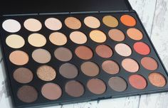 Morphe Brushes 35O Eyeshadow Palette Review and Swatches PLUS GIVEAWAY where you could win your very own Morphe 35O Eyeshadow Palette.