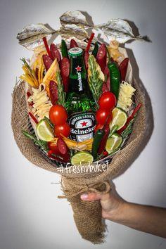 Edible Arrangements, Flower Arrangements, Food Bouquet, Money On My Mind, Father Presents, Congratulations, Diy And Crafts, Best Gifts, Picnic