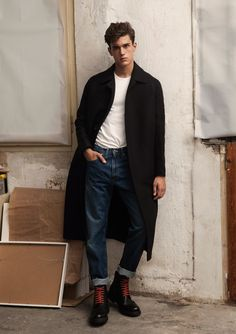 fashion 2015 On the heels of a cheeky fashion shoot for GQ Style Korea, model Xavier Serrano returns to the pages of Hercules Universal. Delivering a boyish flair, Xavier gets a relaxed wardrobe update, courtesy of stylist Gq Style, Mode Style, Style Blog, Man Street Style, Men Street, Street Wear, Look Fashion, Winter Fashion, Mens Fashion