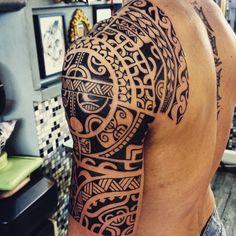 Freehand...#dermagrafics #tattoo#tattoos#tatau#tattoomaori #traditionaltattoos #tribaltattoos #tribaltattoo #tribal#maori#maoritattoos #maoritattoo #polynesiantattoo #polynesian #polynesiantattoos #boldtattoos #blackwork #blacktattoo #freehandtattoo #sleevetattoo #inkedmen #mentattoo #instatattoos #instatattoo #marquesan