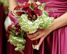 like this bouquet - calla lilies with hydrangea