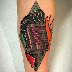 Fulvio Vaccarone based in Garlasco (PV) - elvis traditional microphone music new school tattoo