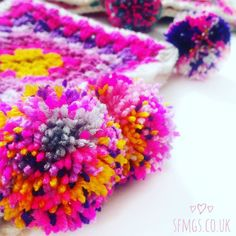 Tagged by gorgeous lady Daniella @oddknotsandthreads for #widn ... thank you so much for thinking of me lovely! Well I have just posted the free pattern for the Daisy Pom Pom mandala on the blog www.sfmgs.co.uk and am about to pick up my hook and get to work on 2 commissions with my still super sore pom-pom-making ravaged hands I think I went a little too crazy on making them Saturday! This super cute and bright pom pom cowl went into @afterglow.olney yesterday ready for late night shopping…