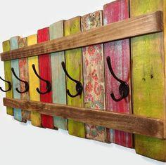 Möbel aus Paletten Wandgarderobe