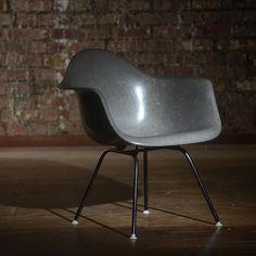#eames #hermanmiller #shellspotting #midcenturymodern #vintage #interiordesign #design #moderism #architecture #austin #atx