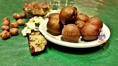 Morbidi bon bon alle nocciole ricoperti da un avvolgente cioccolato fondente!!! ^_^ delizia allo stato puro