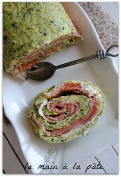 roulé à la courgette et au saumon Quick Recipes, Diet Recipes, Cooking Recipes, Healthy Recipes, Healthy Appetizers, Entrees, Avocado, Party, Good Food